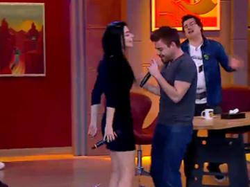 Stüdyoda Murat Dalkılıç sürprizi! Eşi Merve Boluğur'la birlikte söylediler...
