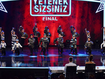 Bursa Nüans Dance Team final performansı
