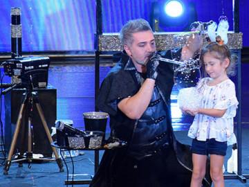 Melisa ve Burhan Öztoprak'tan balon gösterisi!
