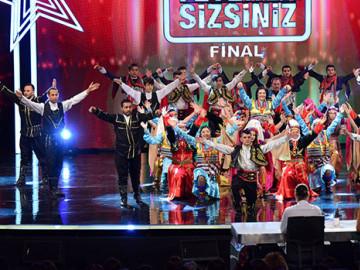 Akhok Halk Oyunları Ekibi final performansı