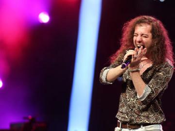 O Ses Türkiye'nin 30 Kasım 2019 bölümünde Bartu Gülhan sürprizi! Yeni şarkısı seslendirdi