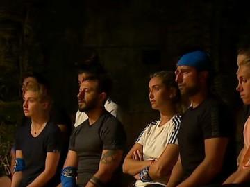 Gönüllüler takımı, eleme adayı olan Fatma'ya yüklendi