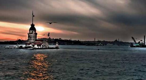 Unutulmaz şairlerden Istanbul şiirleri 8x8